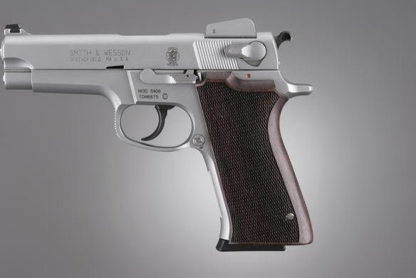 S&W 5900 Series Rosewood Checkered