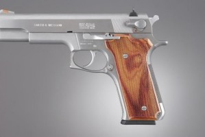 S&W Model 645 Auto, Tulipwood Checkered